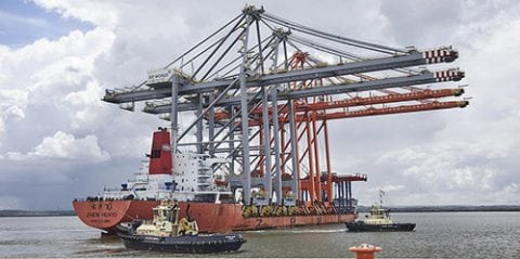 http://investessex.co.uk/uploads/blog/Quay_Crane_150616_2.jpg.500px.jpg